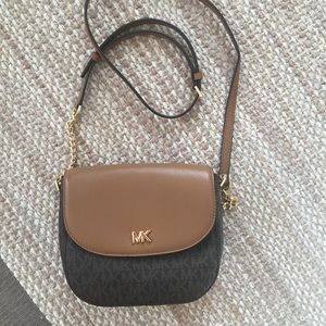 Great condition Michael Kors Crossbag